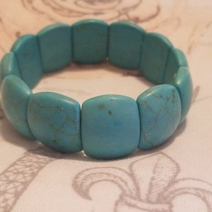 Beautiful turquoise bracelet stretchy
